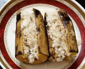 Steamed Bananas with Coconut Fillings