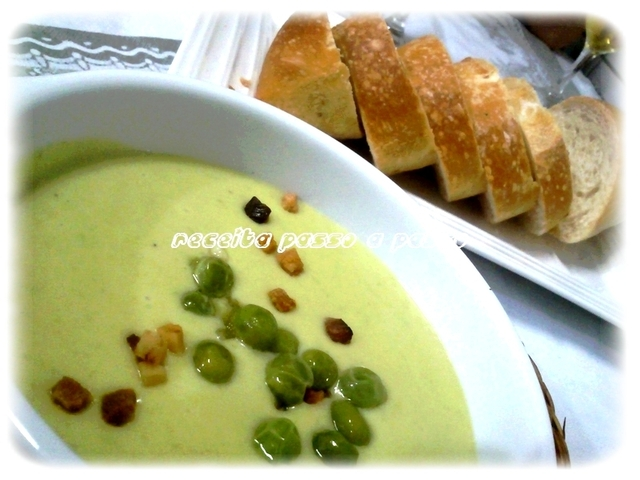 Sopa creme de ervilha com bacon / Cream-soup of peas and bacon