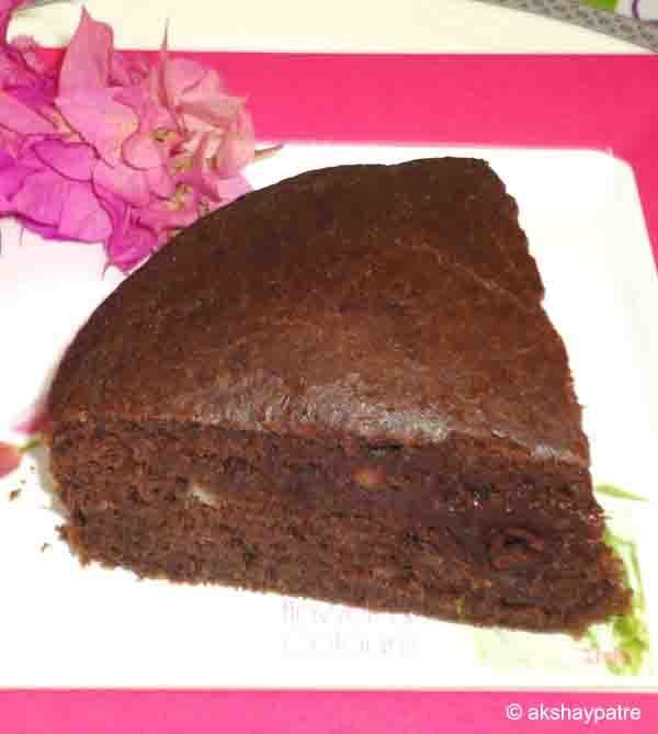 Eggless chocolate banana sponge cake recipe - Chocolate banana eggless cake