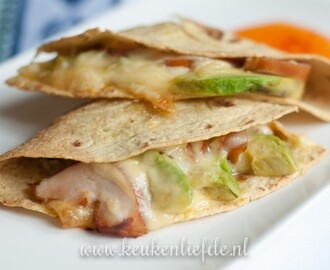 Video: quesadilla met avocado en gerookte kip
