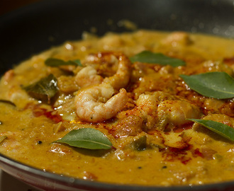 Prawn curry in coconut milk