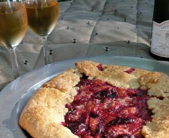 Summer Night At The Sonoma Farmers' Market And A Santa Rosa Plum Crostata