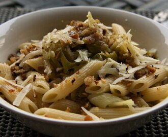 Pasta with Slow-Braised Leeks and Crispy Porcini Pangrattato