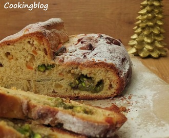 """Stollen"" de Natal com massapão, laranja e pistachios 