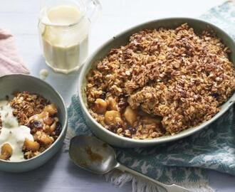 Flapjack cinnamon apple crumble with vanilla custard
