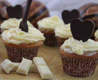 Cupcakes de café con buttercream de chocolate blanco