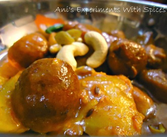 Chhanar/Paneer Kofta Curry (Cottage Cheeseballs Curry)