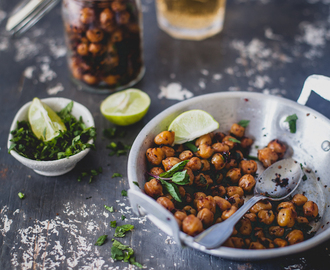 Garlic Chili Roasted Chickpeas