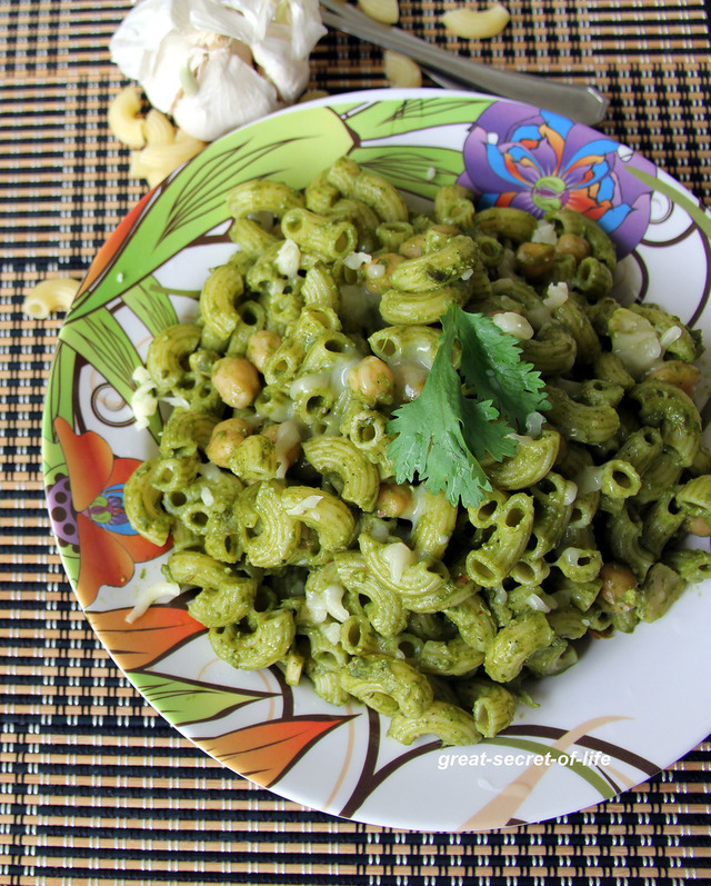 Spinach Chickpeas Garlic Pasta - Healthy Pasta recipe - Kids friendly meal recipe