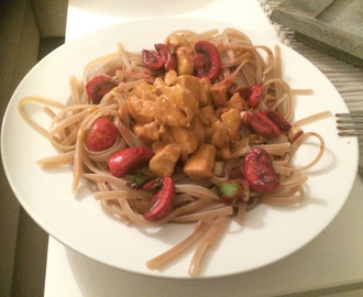 Chicken pasta with curry flavour :)
