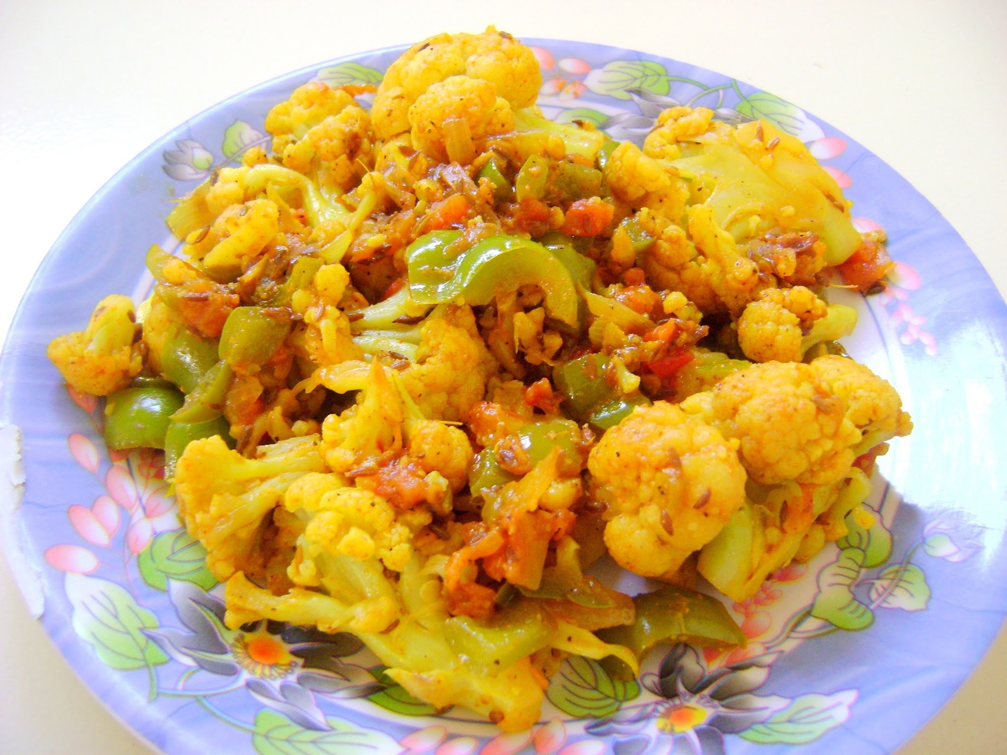 Cauliflower and Bell- Pepper Dry Vegetable (Gobi Shimla Mirch Sabzi)