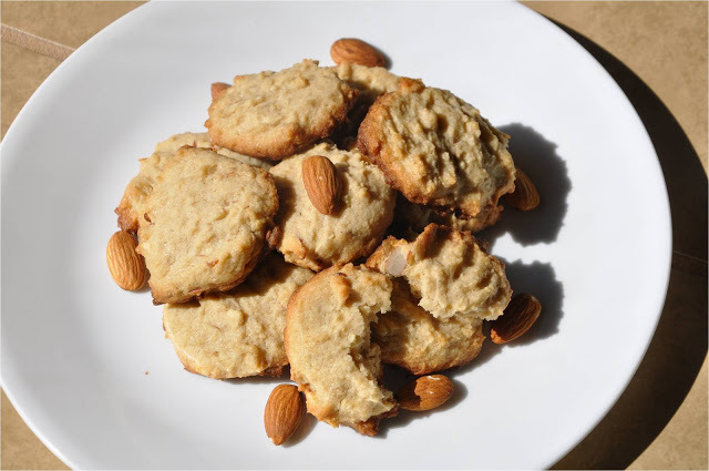 Whole Wheat Eggless Almond Cookies - March Sweet Punch