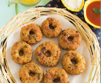 Instant Bread Medu Vada–Easy Snack Recipe