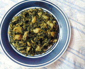 Potato With Fenugreek Leaves Curry / Methi Aloor Torkari