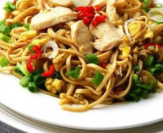 Chicken Noodles with Hoisin Sauce