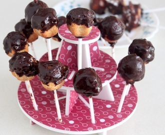 Chocolate Coated Vanilla Cake Pops