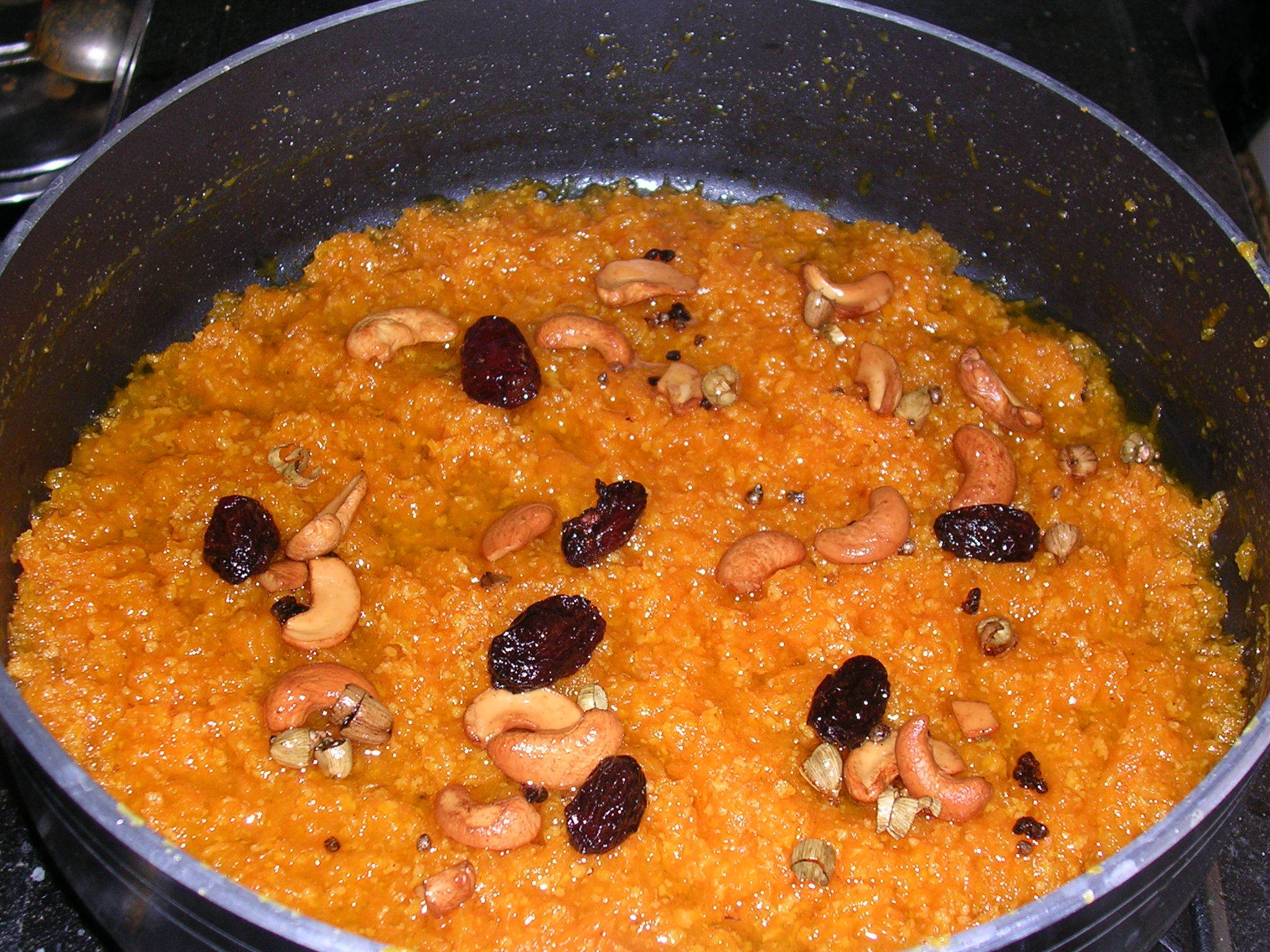 Carrot Halwa (Delicious and sweet Indian dessert)