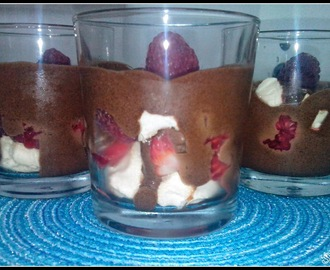 Mousse de Chocolate com Frutos Vermelhos