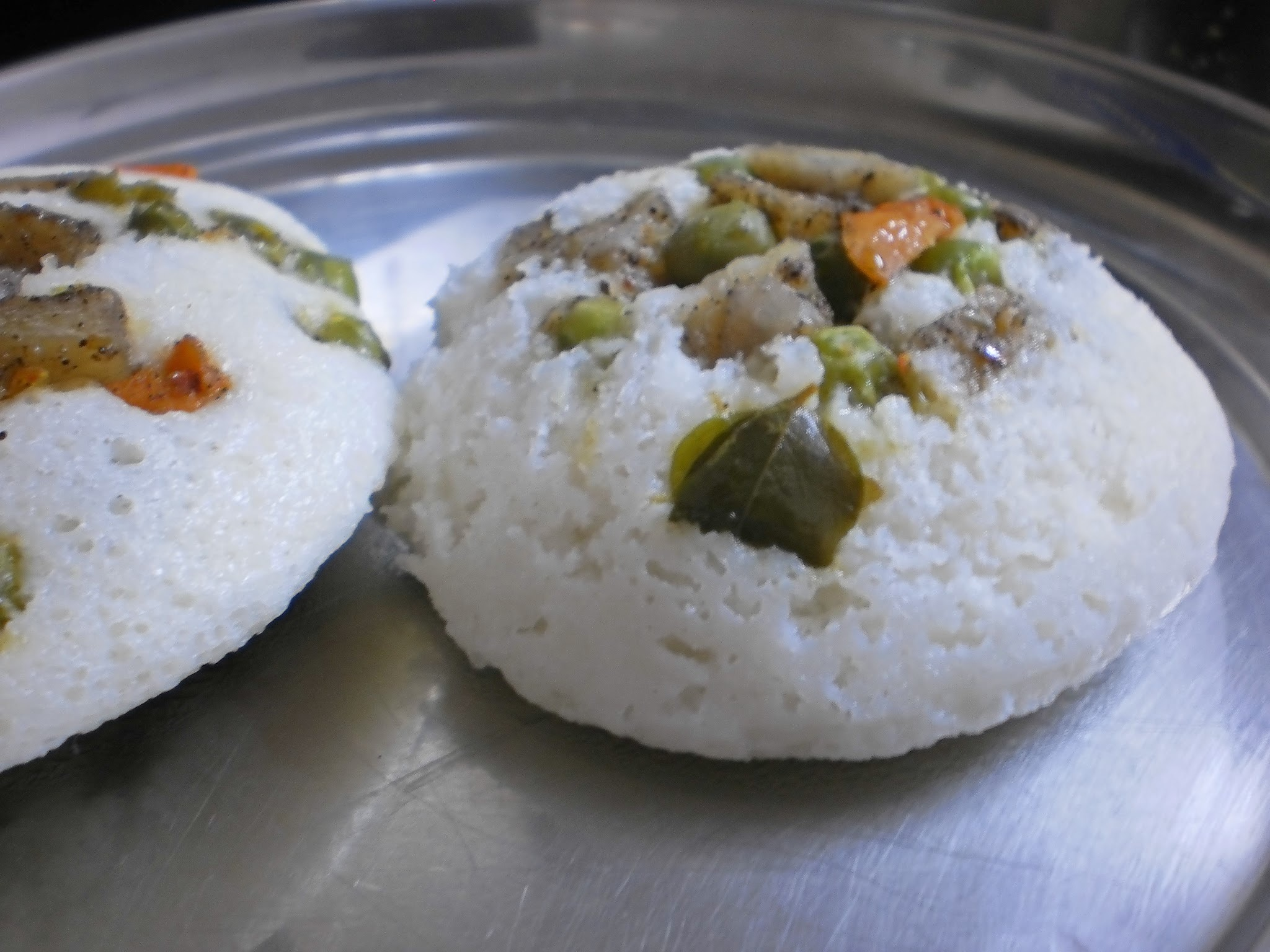 Mixed Vegetable Idly(Indian rice cake stuffed with spicy mixed vegetable)