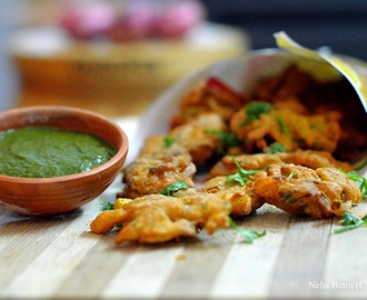Onion Bhajiyas (Onion Fritters)