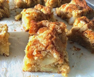 Blondies de maçã com crumble de amêndoa