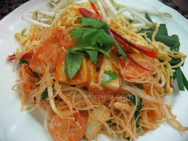 Mee Kati (Noodles with Coconut Milk)