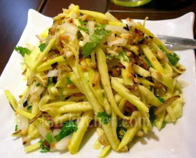 Green Mango Salad (Yam Ma Moung) V