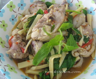 Chicken stir-fried with holy basil