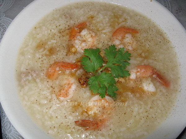 Thai Rice Soup With Shrimp (Khao Tom Goong)