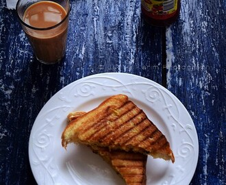 Curried Aloo Methi (Potato-Fenugreek Leaves) Grilled Sandwiches
