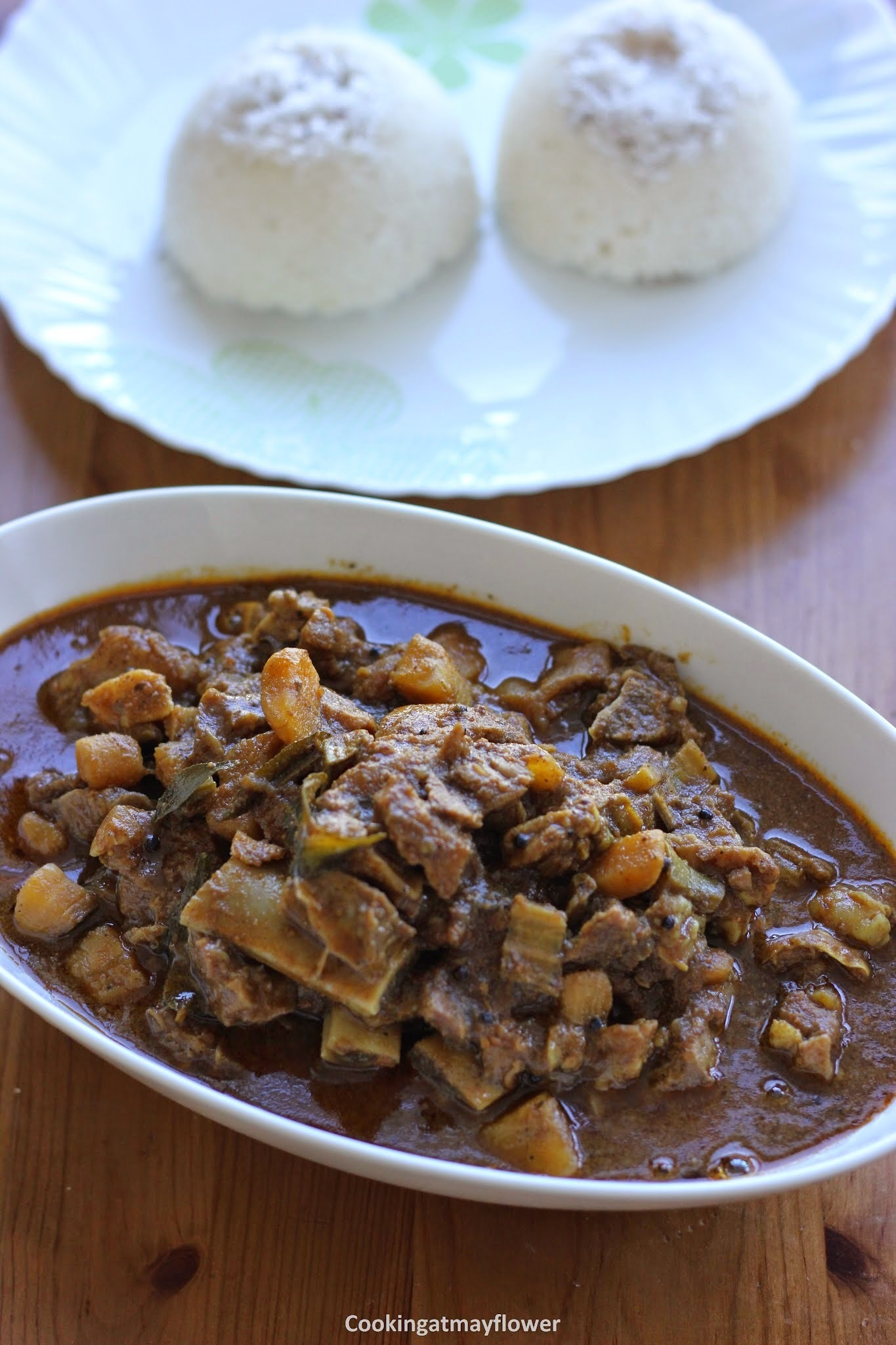 Thenga varutharacha beef pachakaya curry/Beef raw banana in roasted coconut gravy