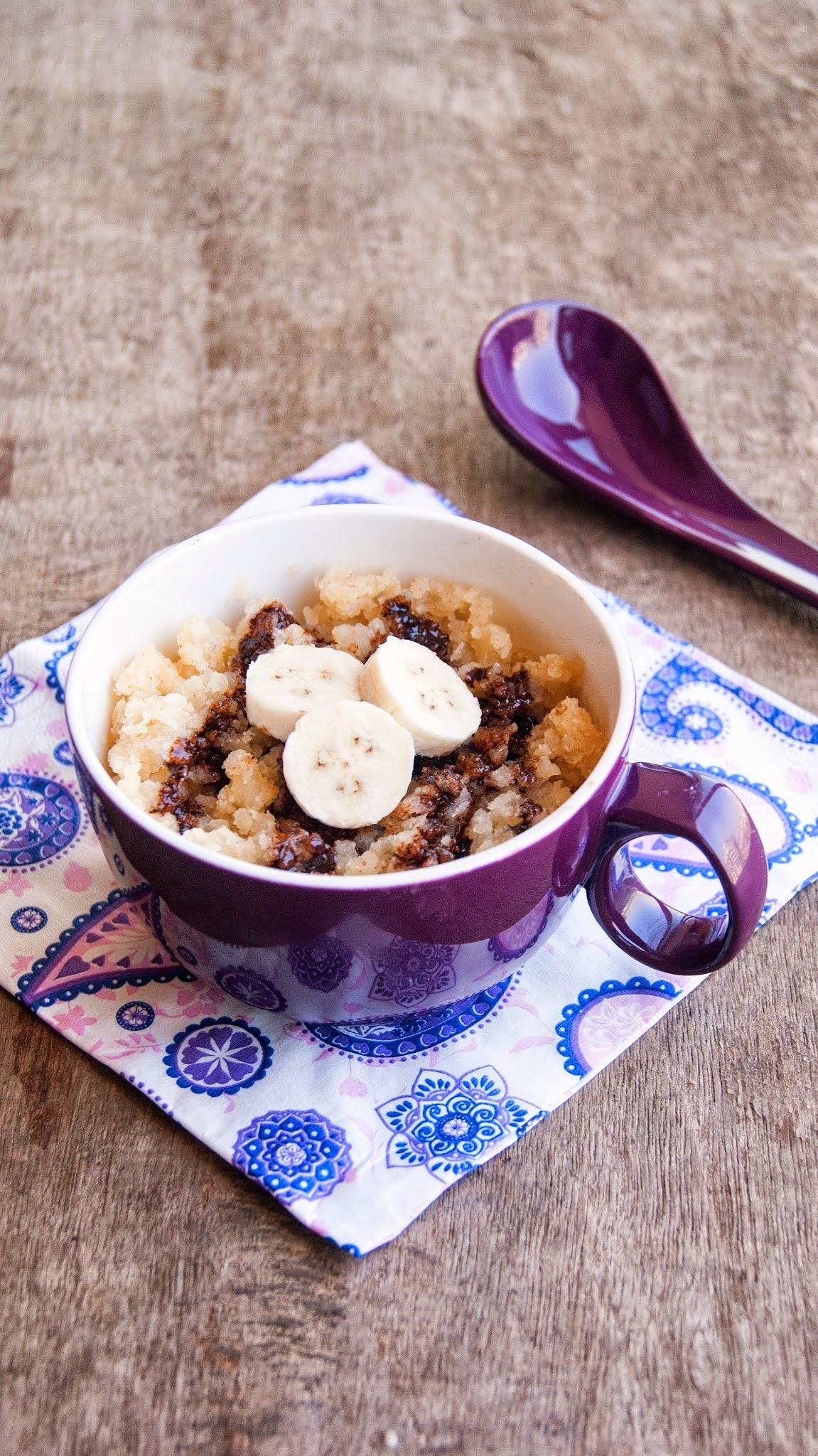 Eggless Banana Mug cake with chocolate syrup