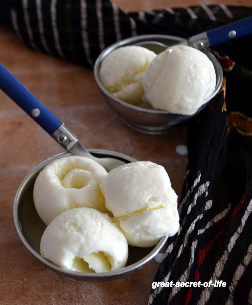 Vanilla Ice Cream - Eggless Ice cream without ice cream maker - Summer Recipes - Ice Cream Recipes