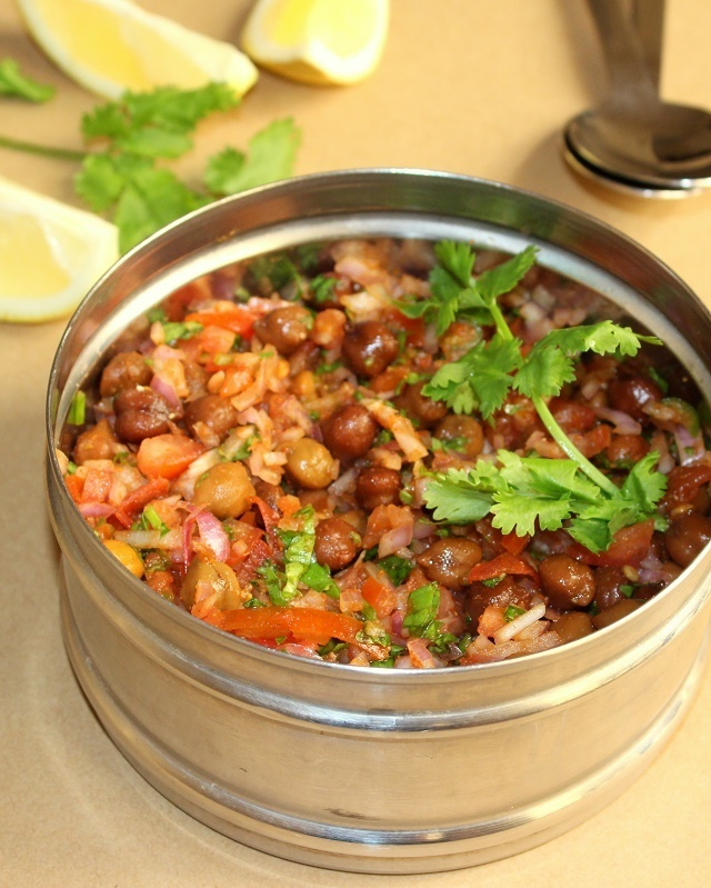 Kala chana chaat recipe | black chickpeas chaat recipe