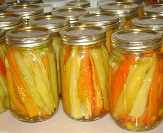 Italian Pickled Banana Peppers