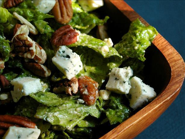 Romaine Salad With Pecan and Blue Cheese Dressing