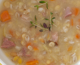 Estonian recipes: yellow split pea soup with smoked pork (hernesupp suitsulihaga)