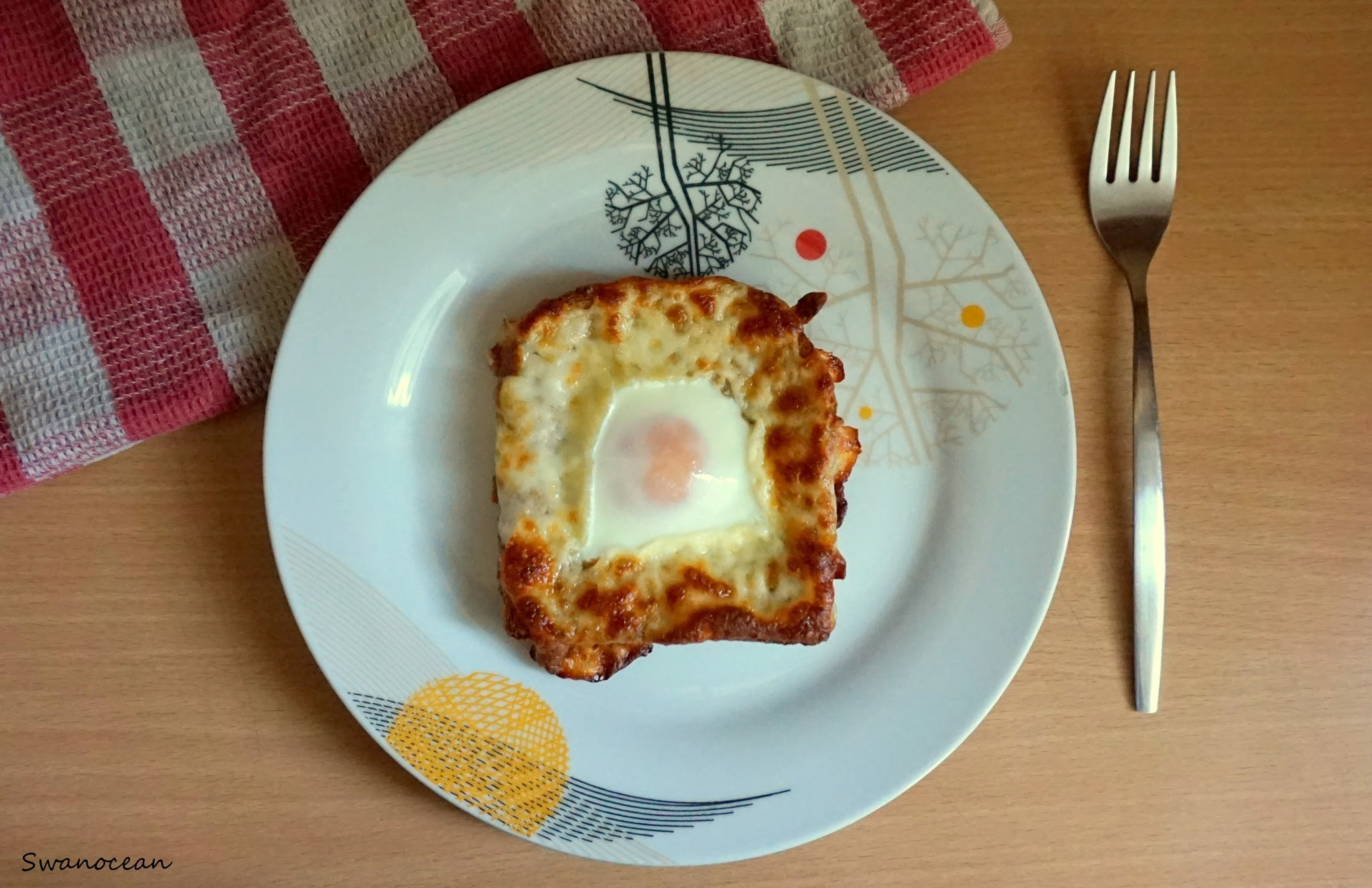 Egg in a toast for the easiest breakfast ever-Αυγό σε τοστ για το πιο εύκολο πρωινό