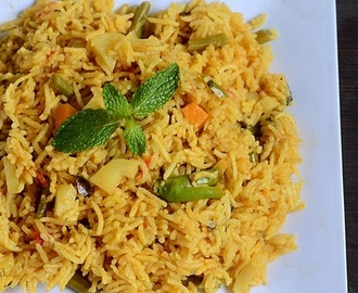 Easy Vegetable Biryani Recipe In Pressure Cooker-Sunday Lunch Recipes-8