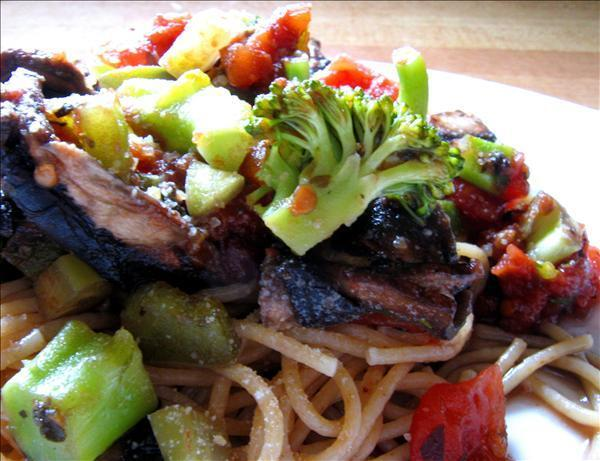 Linguine With Portabella Mushrooms and Broccoli