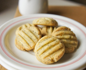 Lemon Poppy Seed Cookies, Mum insist.