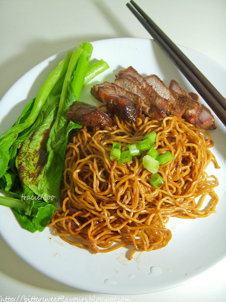 Dry Egg Noodles with Chinese BBQ Pork (叉烧乾撈麵)