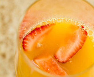 Orange Creamsicle Mimosa {for a crowd}