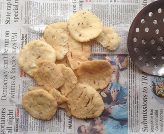 Khara puri or kara puri tea time snacks