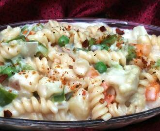 Mixed Veg Pasta in Creamy White Sauce