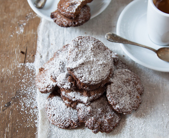 Coffee break. Hazelnut, barley and cocoa cookies