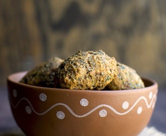 Methi Muthiya (Gujarati Fried Dumplings)