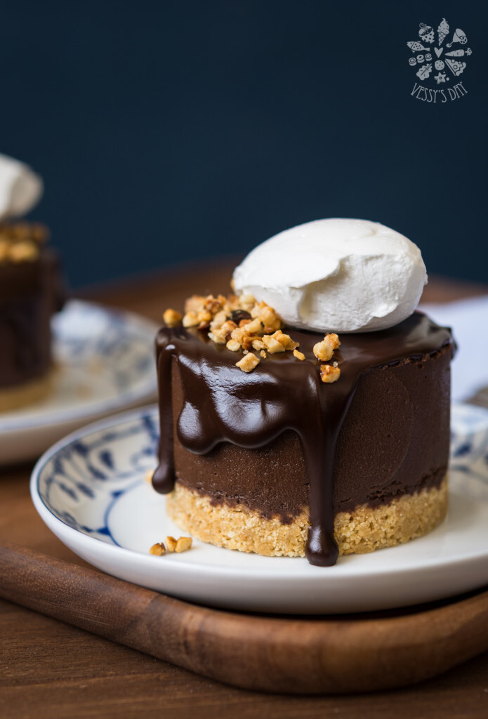 Double chocolate chestnut cakes