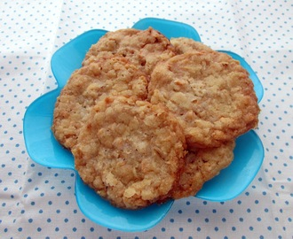 Cookies with Salty Peanuts
