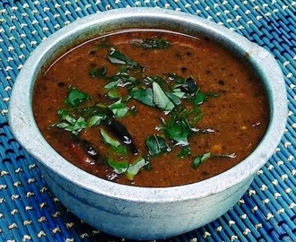Karuveppilai Kuzhambu (Curry Leaves Gravy)
